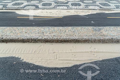 Detalhe de areia na orla da Praia de Ipanema  - Rio de Janeiro - Rio de Janeiro (RJ) - Brasil