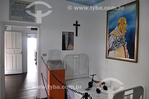 Interior de quarto na Casa Museu Padre Donizetti - onde morou o Padre Donizetti  - Tambaú - São Paulo (SP) - Brasil