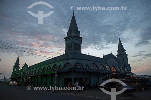 Fachada do Mercado Ver-o-peso (Século XVII) durante o amanhecer  - Belém - Pará (PA) - Brasil
