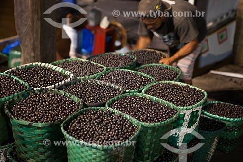 Açaí à venda no Mercado Ver-o-peso (Século XVII)  - Belém - Pará (PA) - Brasil