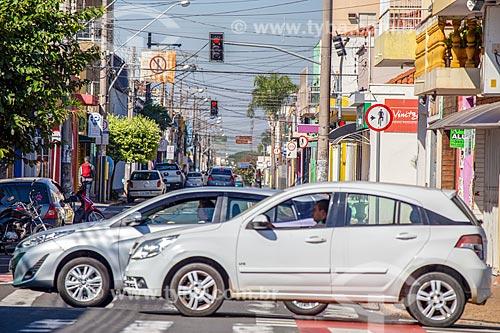 Tráfego na Rua dois  - Rio Claro - São Paulo (SP) - Brasil