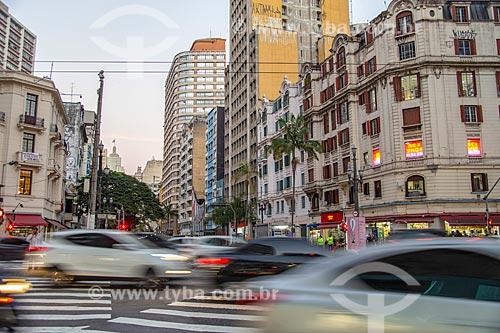 Tráfego na esquina da Avenida Ipiranga com a Avenida São João  - São Paulo - São Paulo (SP) - Brasil