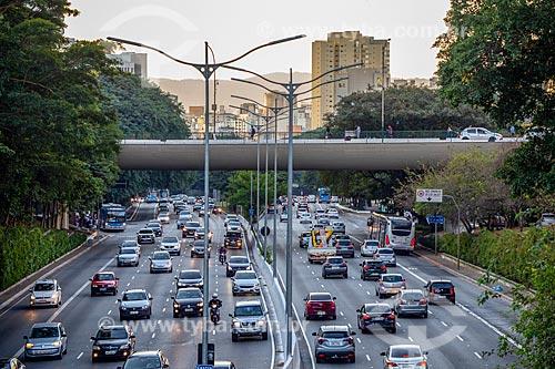 Tráfego na Avenida Vinte e três de Maio  - São Paulo - São Paulo (SP) - Brasil