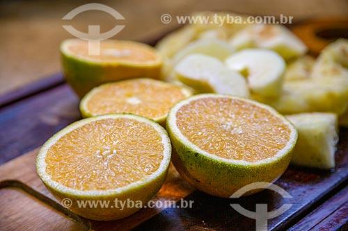 Detalhe de laranjas cortada ao meio  - São Paulo - São Paulo (SP) - Brasil