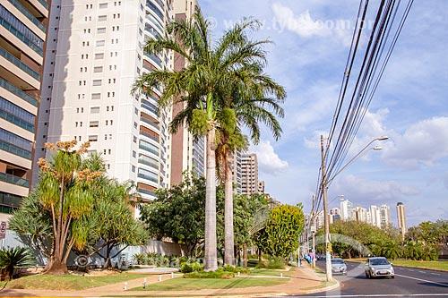 Fachada de condomínios residenciais na Avenida Professor João Fiusa  - Ribeirão Preto - São Paulo (SP) - Brasil