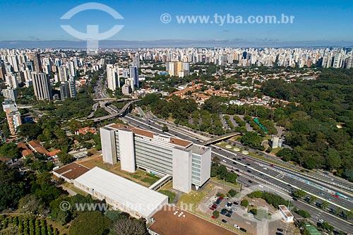 Foto feita com drone do Museu de Arte Contemporânea - Avenida Rubem Berta à direita  - São Paulo - São Paulo (SP) - Brasil