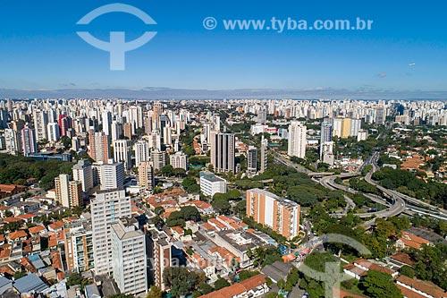 Foto feita com drone do bairro Vila Clementino com o complexo João Jorge Saad à direta e Avenida Ibirapuera no fundo  - São Paulo - São Paulo (SP) - Brasil