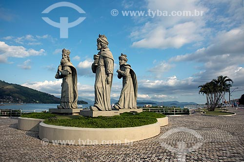 Estátuas dos Reis Magos - obra do artista Miguel Santeiro  - Angra dos Reis - Rio de Janeiro (RJ) - Brasil