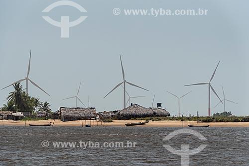 Vista dos aerogeradores do Complexo eólico Delta 3 próximo à Praia do Caburé  - Barreirinhas - Maranhão (MA) - Brasil