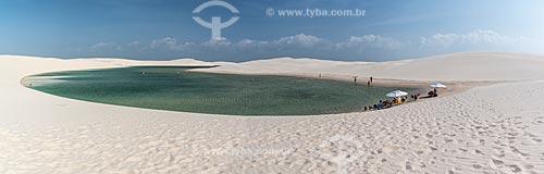 Banhistas em lagoa no Parque Nacional dos Lençóis Maranhenses  - Barreirinhas - Maranhão (MA) - Brasil