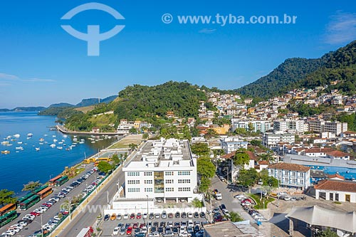 Foto feita com drone do Fórum da cidade com Morro do Abel ao fundo  - Angra dos Reis - Rio de Janeiro (RJ) - Brasil