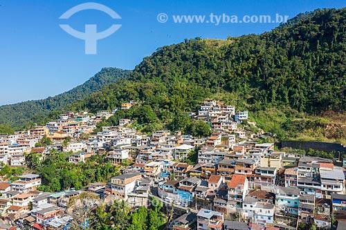 Foto feita com drone de construções na encosta do Morro da Caixa Dágua  - Angra dos Reis - Rio de Janeiro (RJ) - Brasil
