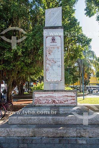 Relógio de Sol - Praça Cândido Mota  - Caraguatatuba - São Paulo (SP) - Brasil