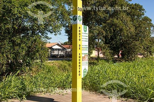 APELL (Alerta e Preparação de Comunidades para Emergências Locais) - Sinalização de ponto de encontro para a comunidade local em caso de rompimento do Gasoduto do Projeto Mexilhão  - Caraguatatuba - São Paulo (SP) - Brasil