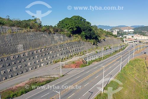 Foto feita com drone de contenção de encostas na Rodovia Governador Mario Covas (BR-101)  - Caraguatatuba - São Paulo (SP) - Brasil