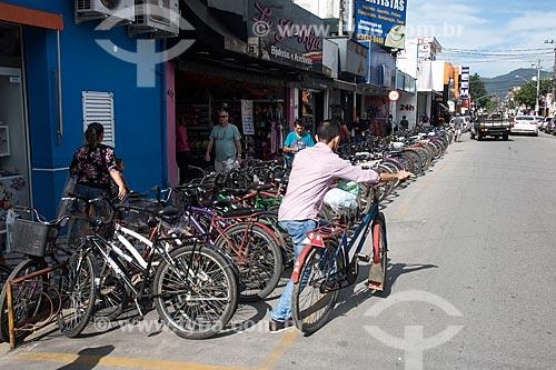Estacionamento privativo de bicicletas  - Ubatuba - São Paulo (SP) - Brasil