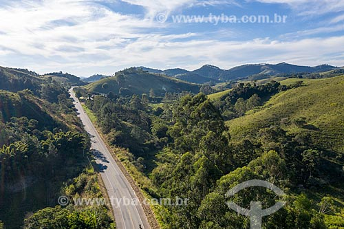 Foto feita com drone da Rodovia Oswaldo Cruz (BR-383)  - São Luíz do Paraitinga - São Paulo (SP) - Brasil