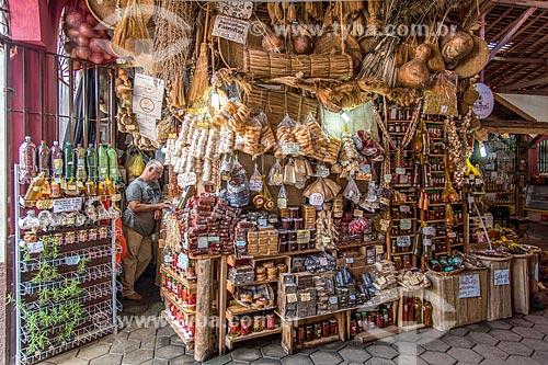Quiosque de produtos regionais no Mercado Municipal de Cunha (1913)  - Cunha - São Paulo (SP) - Brasil