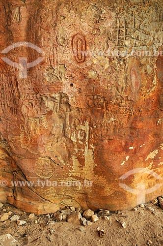 Detalhe de petróglifo - Sítio Arqueológico Templo dos Pilares - Parque Natural Municipal Templo dos Pilares - na Serra do Bom Jardim  - Alcinópolis - Mato Grosso do Sul (MS) - Brasil