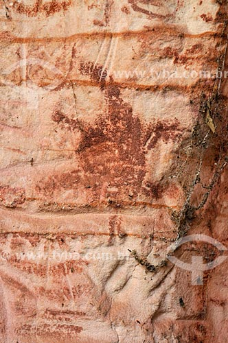 Detalhe de pintura rupestre - Sítio Arqueológico Templo dos Pilares - Parque Natural Municipal Templo dos Pilares - na Serra do Bom Jardim  - Alcinópolis - Mato Grosso do Sul (MS) - Brasil