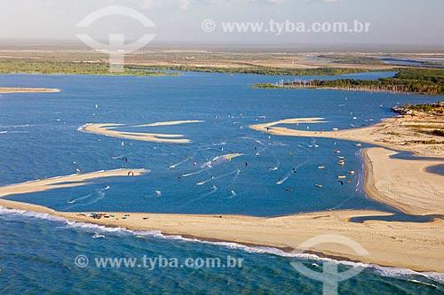 Kitesurf na Praia de Macapá e a Foz do Rio Camurupim  - Luís Correia - Piauí (PI) - Brasil