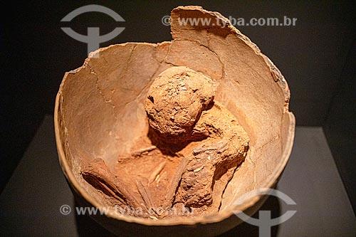 Urnas funerárias com ossada - Museu do Homem Americano  - São Raimundo Nonato - Piauí (PI) - Brasil