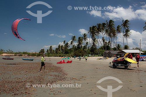 Praticantes de Kitesurf  - Cajueiro da Praia - Piauí (PI) - Brasil