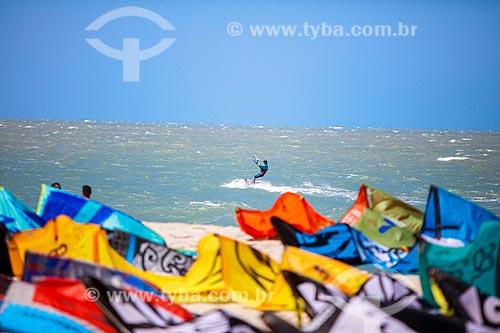 Praticantes de Kitesurf - Praia da Barinha  - Cajueiro da Praia - Piauí (PI) - Brasil