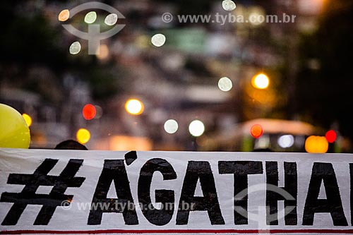 Manifestação no Complexo do Alemão contra o assassinato da menina Ágatha  - Rio de Janeiro - Rio de Janeiro (RJ) - Brasil