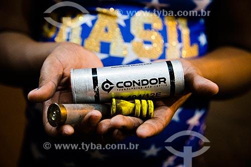 Restos de munição não letal da empresa Condor utilizados na Favela Nova Holanda durante a Copa do Mundo 2014  - Rio de Janeiro - Rio de Janeiro - Brasil