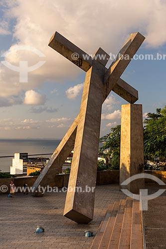 Monumento Cruz Caída (1999) na Praça da Cruz Caída  - Salvador - Bahia (BA) - Brasil