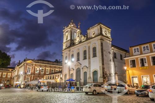 Fachada iluminada da Igreja de São Pedro dos Clérigos (século XVIII) no Terreiro de Jesus - também conhecido como Praça 15 de Novembro - Salvador - Bahia (BA) - Brasil