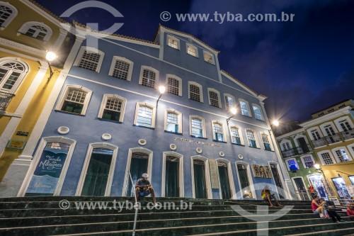 Fachada iluminada da Fundação Casa de Jorge Amado no Pelourinho - Salvador - Bahia (BA) - Brasil