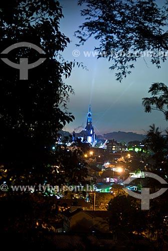 Paróquia de Nossa Senhora de Lourdes - também conhecida como Catedral de Pedra iluminada durante a chegada do Papai Noel no Sonho de Natal  - Canela - Rio Grande do Sul (RS) - Brasil