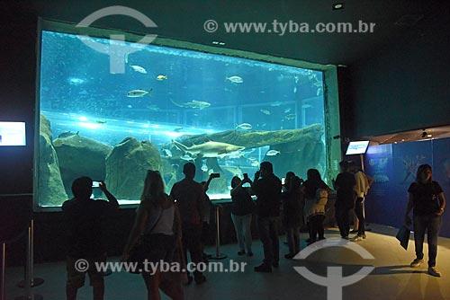 Visitantes no interior do AquaRio - aquário marinho da cidade do Rio de Janeiro  - Rio de Janeiro - Rio de Janeiro (RJ) - Brasil