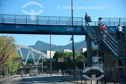 Passarela sobre a Avenida Francisco Bicalho  - Rio de Janeiro - Rio de Janeiro (RJ) - Brasil