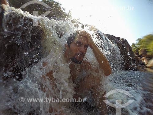 Banho no Poço Halley (Piscina Natural) - Parque Municipal da Muritiba (Serrano)  - Lençóis - Bahia (BA) - Brasil