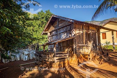 Galpão em pequena propriedade rural  - Guarani - Minas Gerais (MG) - Brasil