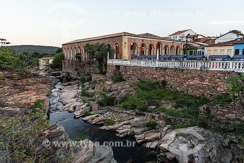 Rio Lençóis e Mercado Cultural ao fundo  - Lençóis - Bahia (BA) - Brasil