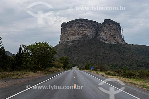 Vista do Morro do Pai Inácio à partir da rodovia BR-242  - Palmeiras - Bahia (BA) - Brasil