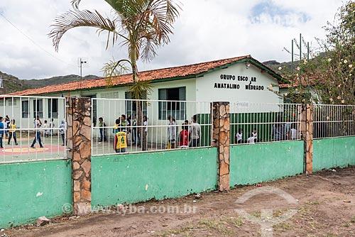 Escola de ensino básico - Grupo Escolar Anatalino Medrado  - Mucugê - Bahia (BA) - Brasil