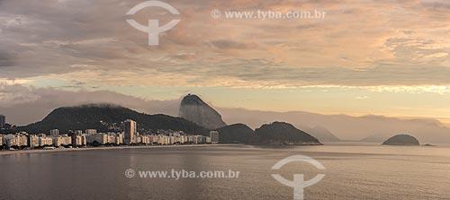 Vista da Praia de Copacabana ao amanhecer  - Rio de Janeiro - Rio de Janeiro (RJ) - Brasil
