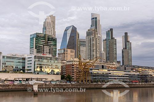 Vista de edifícios modernos e arranha-céus em Puerto Madero  - Buenos Aires - Província de Buenos Aires - Argentina