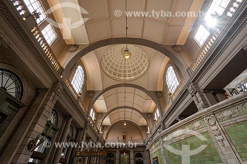 Interior de terminal ferroviário  - Buenos Aires - Província de Buenos Aires - Argentina