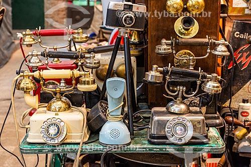 Telefones antigos à venda no mercado de San Telmo (1897)  - Buenos Aires - Província de Buenos Aires - Argentina