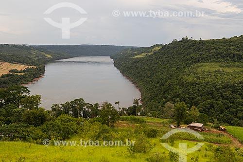 Vista do Rio Uruguai - Divisa entre Santa Catarina e Rio Grande do Sul  - Itapiranga - Santa Catarina (SC) - Brasil