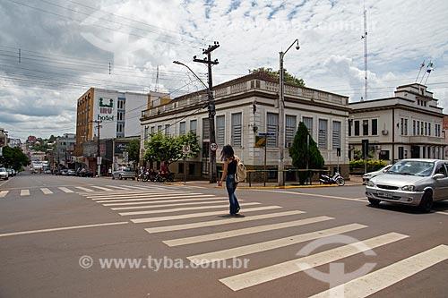 Faixa de pedestres na esquina das ruas do Comércio e Benjamin Constant  - Ijuí - Rio Grande do Sul (RS) - Brasil
