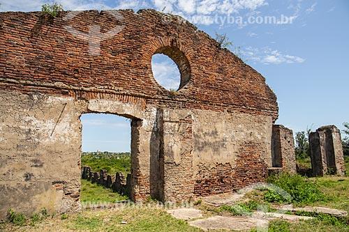 Ruínas do Saladeiro São Carlos, local onde se produzia charque para exportação  - Quaraí - Rio Grande do Sul (RS) - Brasil