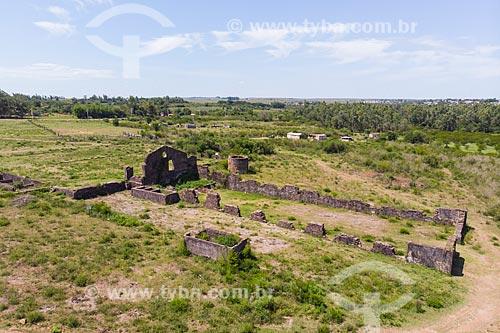 Foto feita com drone das ruínas do Saladeiro São Carlos, local onde se produzia charque para exportação  - Quaraí - Rio Grande do Sul (RS) - Brasil