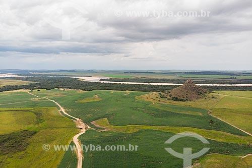 Foto feita com drone do Cerro Jacaquã, com o Rio Ibicuí ao fundo  - Alegrete - Rio Grande do Sul (RS) - Brasil